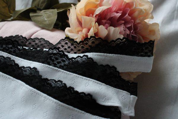 string - blanc et noir